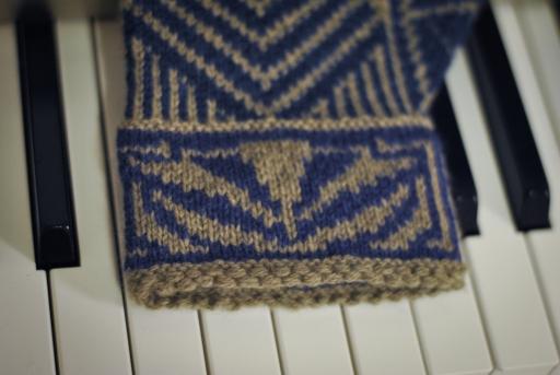 Jazz Age large size cuff detail