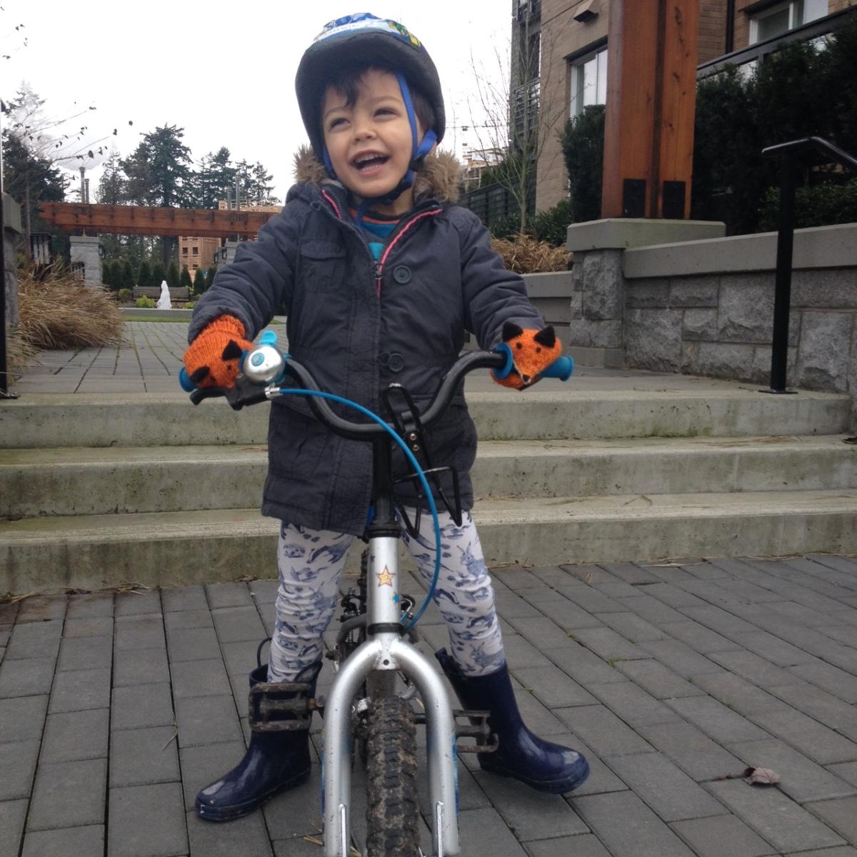 nephew 1 w fox mittens