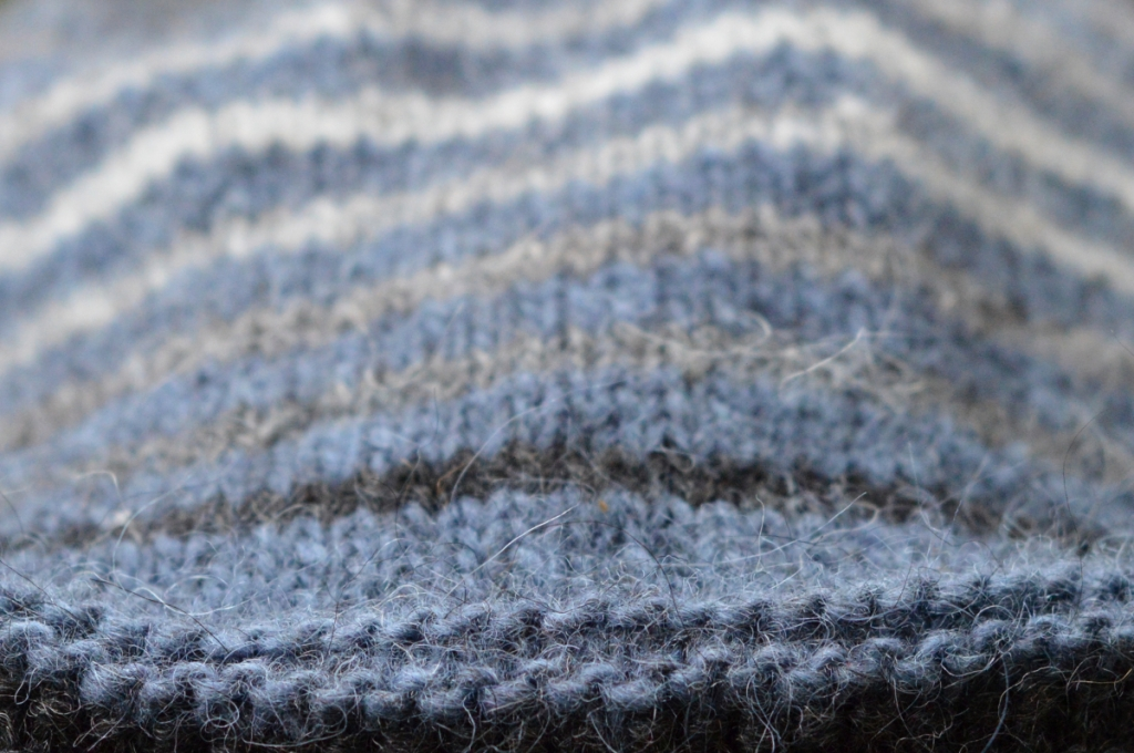thecusserknits | lining stripes