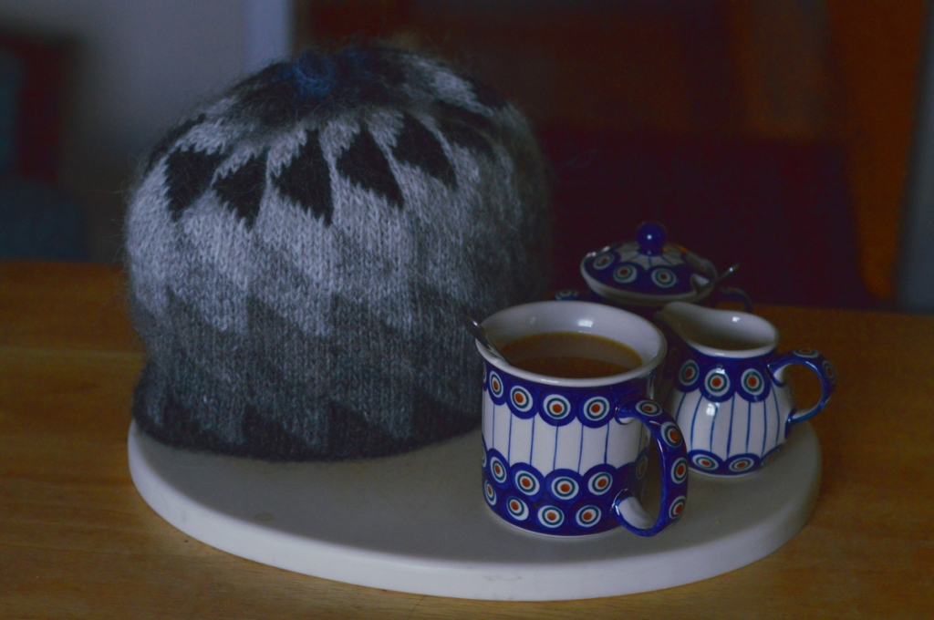 thecusserknits | lopi tea cozy