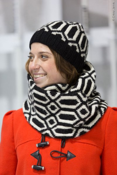 Ready Steady Go cowl & hat | thecusserknits.com