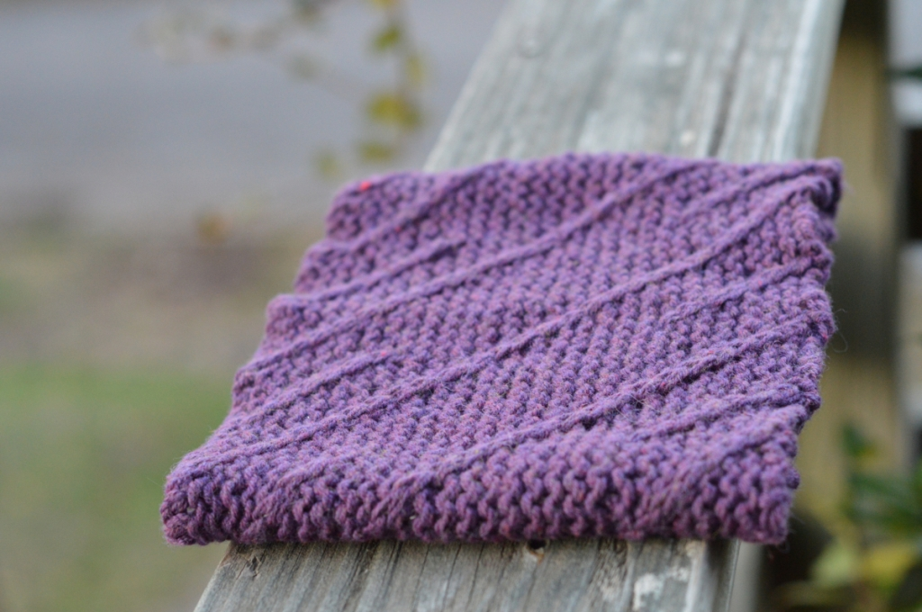 Helical Cowl | thecusserknits.com