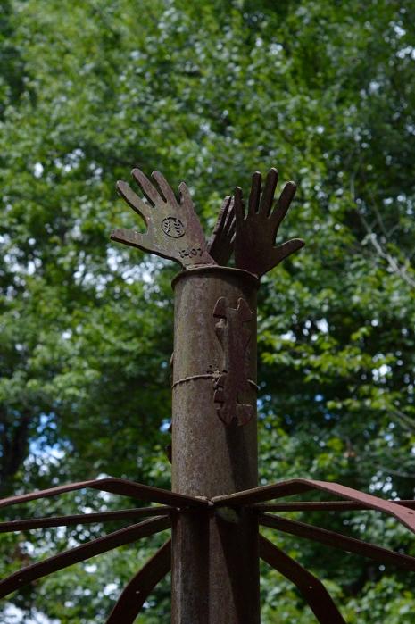 metal hands